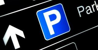 parkoló (parkoló, )