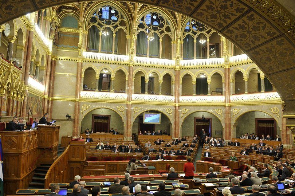 parlament(960x640)(1).jpg (parlament)