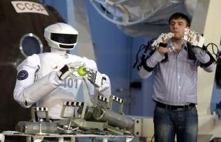 robot(960x640)(1).jpg (robot)