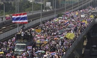 thaifoldi-tuntetes(960x640)(2).jpg (thaiföldi tüntetés)