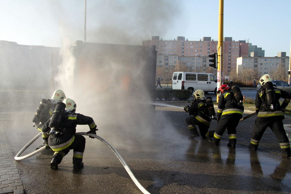 tűzoltók (tűzoltók, )