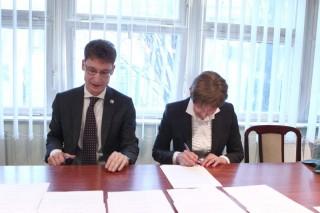 Fűtőerőmű felszámolás utáni vásárlásának aláírása (Fűtőerőmű felszámolás utáni vásárlásának aláírása)