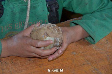 Krumpli (kína, gyerek, éhezés, )