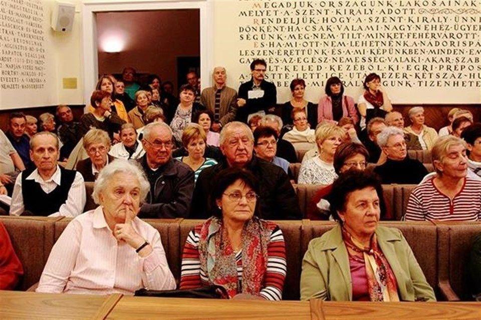 Lakasszovetkezeti-gyules-Fehervaron(1)(960x640).jpg (Lakásszövetkezeti gyűlés Fehérváron)