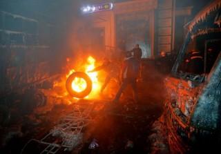 Lángoló roncs Ukrajnában (ukrajna, )