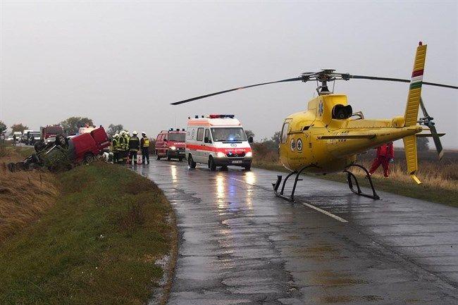 Mentohelikopter(650x433).jpg (baleset, közúti baleset, 45-ös út, mentőhelikopter, )