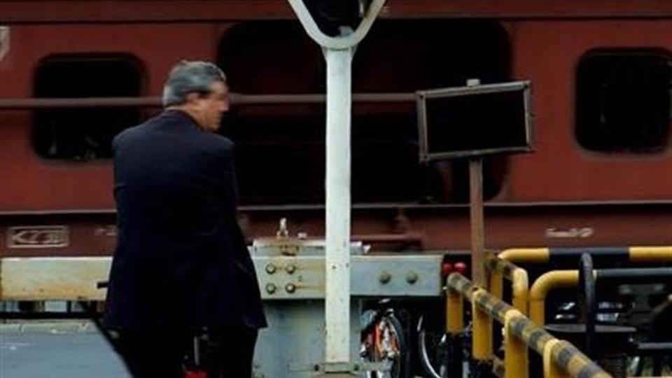 Tehervonat(1)(960x640).jpg (tehervonat, vasúti átjáró, )