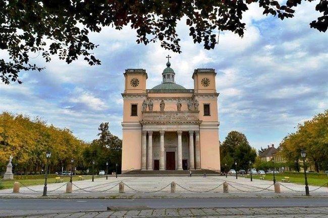 Vaci-szekesegyhaz(650x433).jpg (székesegyház, vác, migazzi püspök)