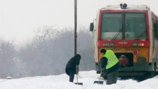 Vonat havazásban 2 (vonat, havazás, máv, )