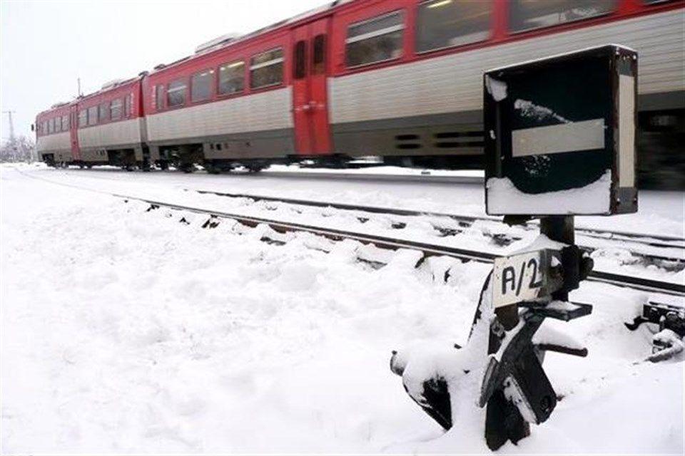 Vonat-havazasban(1)(960x640).jpg (vonat, hó, havazás, )
