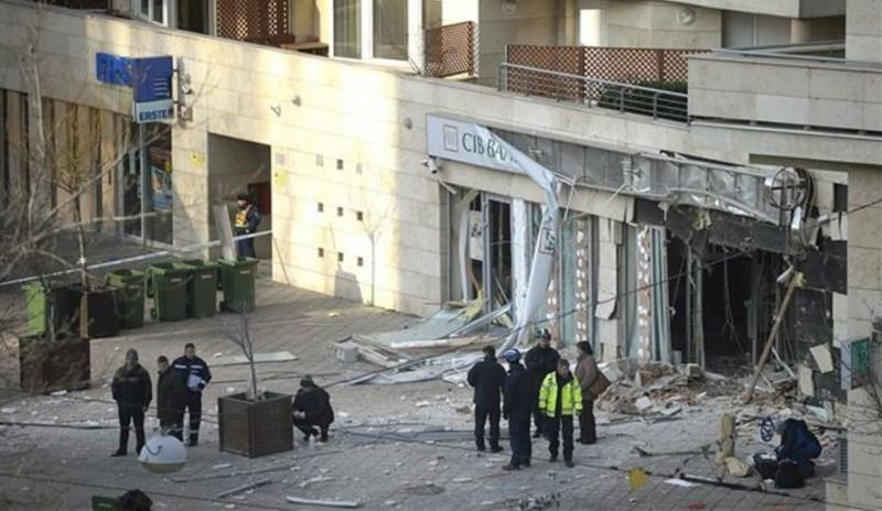 beke-teri-bankrobbantas(960x640)(1).jpg (béke téri bankrobbantás)