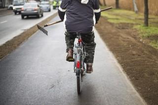 biciklis kommandó (bicikli, gereblye)