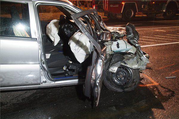 összetört suzuki (összetört autó, Suzuki)