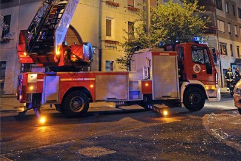 tűzoltó-autó (ingyenes, )