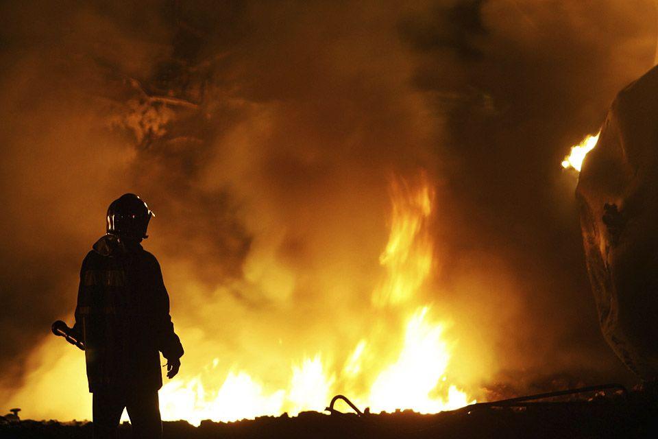 tűzoltó (tűzoltó, )