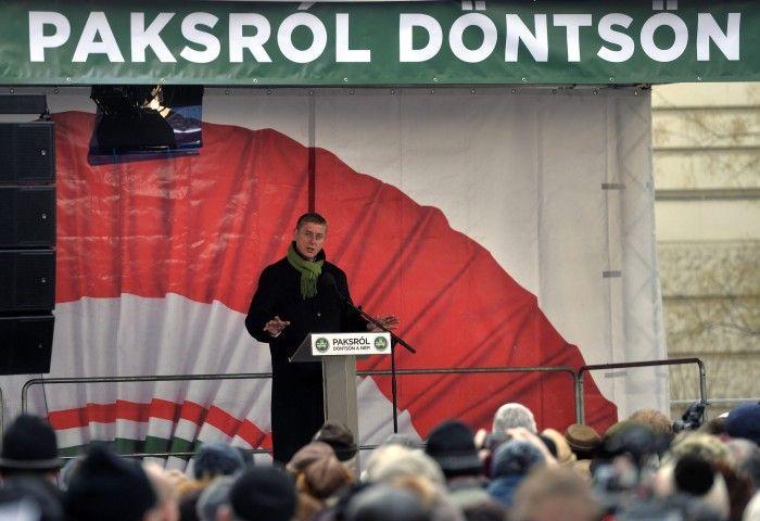 Gyurcsány Ferenc a tüntetésen (Gyurcsány Ferenc, Paks, tüntetés)