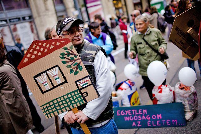 Lakhatás, hajléktalanság (lakhatás, hajléktalan)