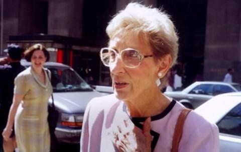 Stella Liebeck (Array)