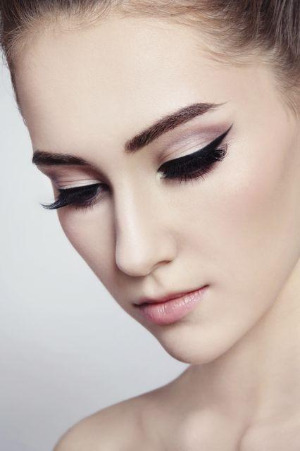 cicaszem (tusvonal, smink, eyeliner)