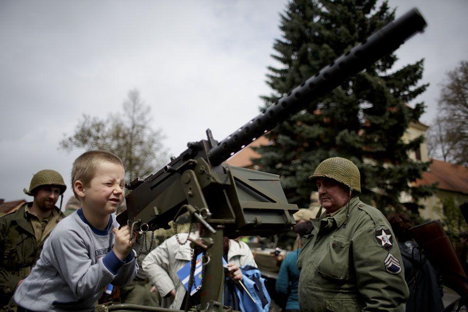 gyerek katona (gyerek katona)