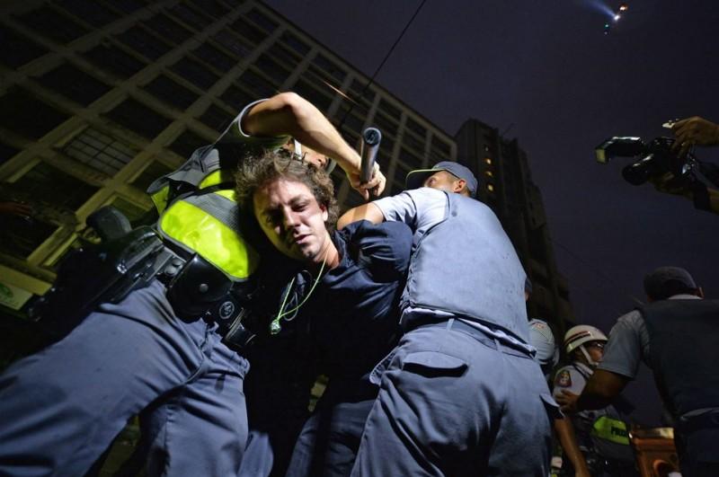 tüntetők, világbajnokság (tüntetés, )