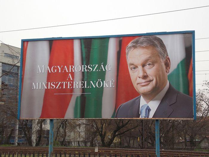 Miniszterelnöké (orbán viktor, óriásplakát)