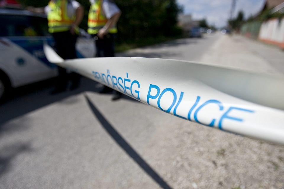 Rendőrségi kordon (rendőrség, kordon, szalag, rendőrségi szalag, )