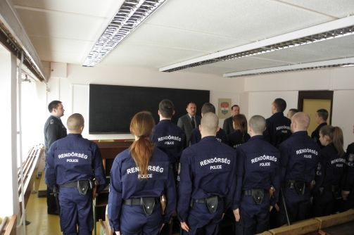 rendőr (rendőr)
