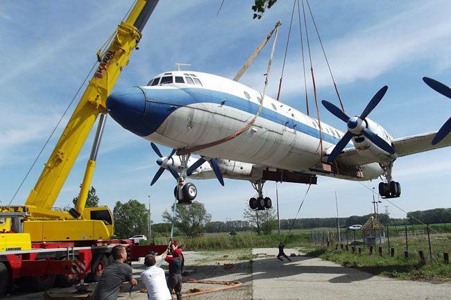 repülő (repülő)