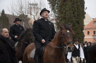 semjén lovon (semjén zsolt, )