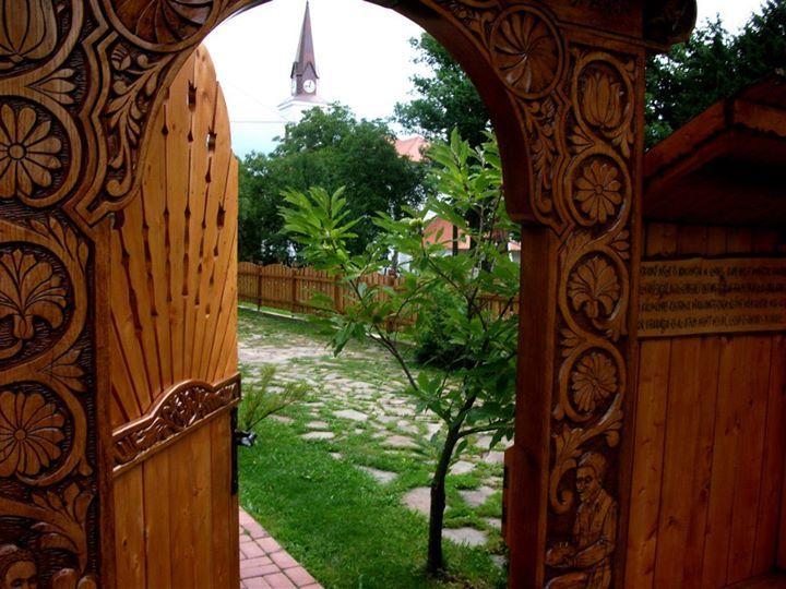 székely kapu (székelykapu, székely, erdély, hargita, farkaslaka)