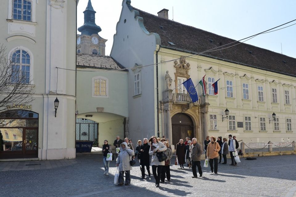 városháza (városháza)