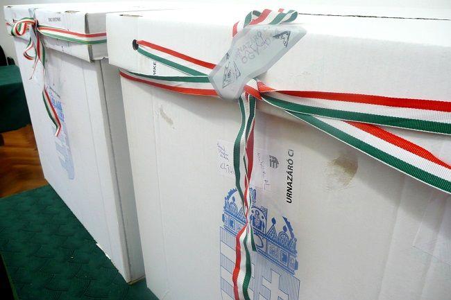Urna Vásárhelyen (urna, szavazás, választás 2014, )