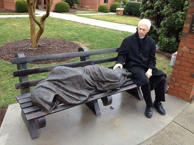 hajléktalan jézus szobor (jézus, szobor, )