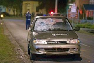 körmenetbe hajtott autó (baleset, körmenet, törött szélvédő, )