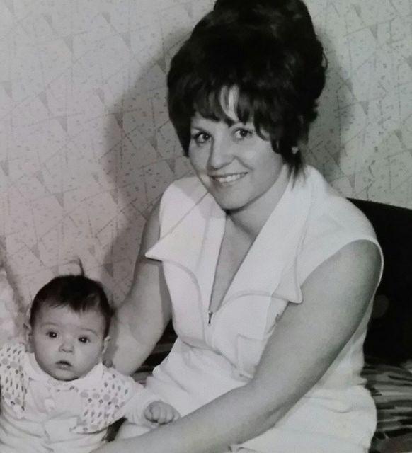 Liptai Claudia és anyukája (liptai claudia, )