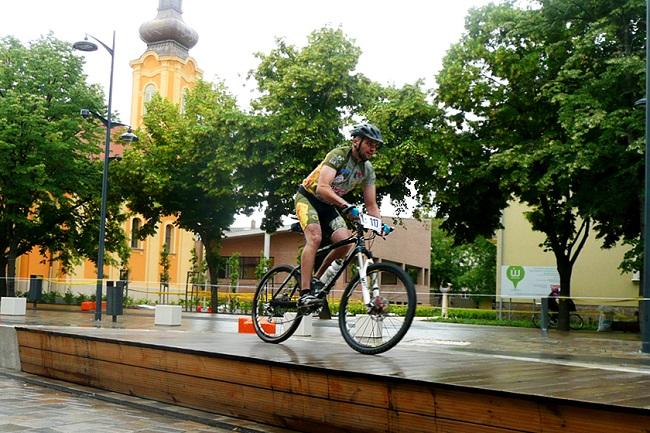 Bringalovagok 1 (biciklisek, verseny, bringalovagok, )