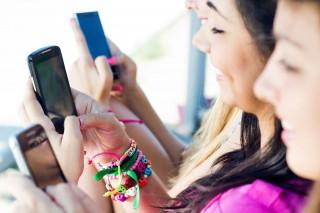 Okostelefon (okostelefon, nők)