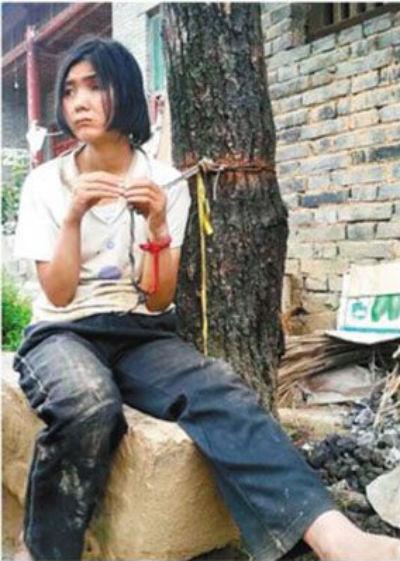 Fához kötözött nő (kína, nő, kötél, )