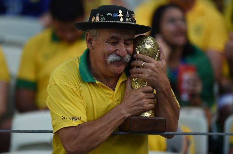 brazil szurkoló (sport, labdarúgás, foci, foci vb, foci vb 2014, vb 2014,)
