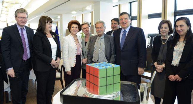 uniós rubik-kocka ünnepség (rubik-kocka, rubik ernő)