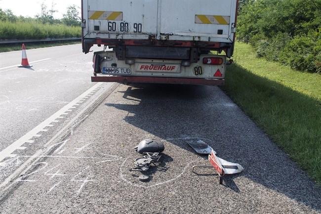 Baleset-az-M5-oson(650x433).jpg (baleset, kamion, m5-ös, )