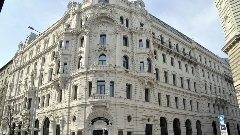 Eiffel Palace (magyar nemzeti bank, matolcsy györgy, offshore, eiffel palace)