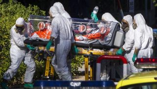 Megerkezik-a-spanyol-Ebola-beteg(650x433).jpg (ebola, ebola-járvány, )
