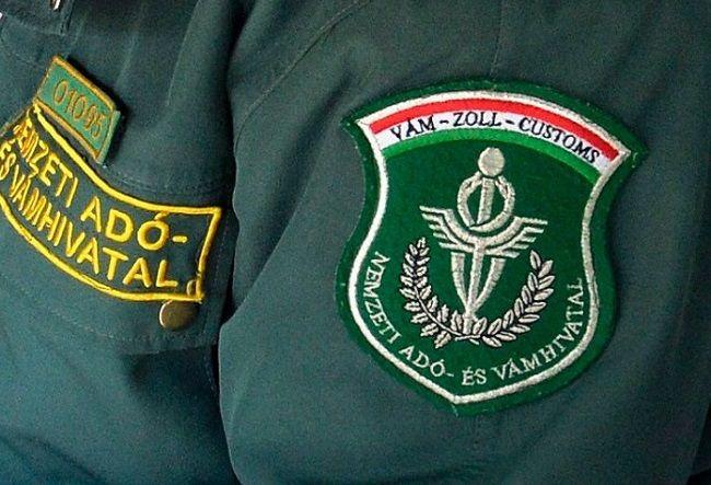 NAV (nav, ellenőr, pénzügyőr, )