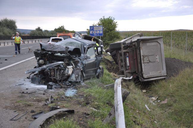 balesetek az m1-esen (baleset, teherautó)