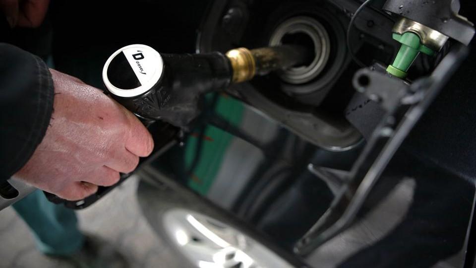 diesel (diesel, mol, tankolás, gázolaj, )