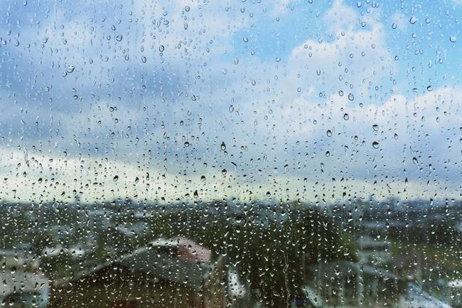 eső (esős ablak, pára, csapadék, látkép, város)