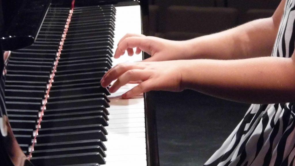 z1 (zongora, )