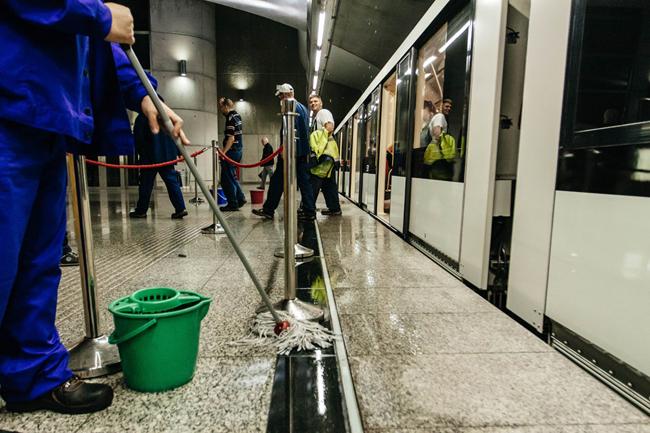 özönvíz (özönvíz, eső, csapadék, négyes metró, Kálvin tér)